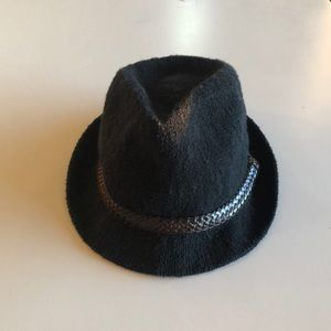 Small knit fedora hat